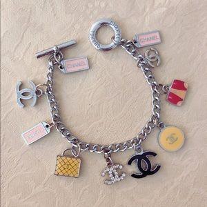 Jewelry - 💖💕🌸charms bracelet 🌸💕💖